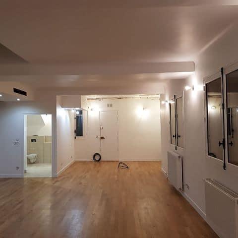 Rénovation d'un appartement avec parquet moderne